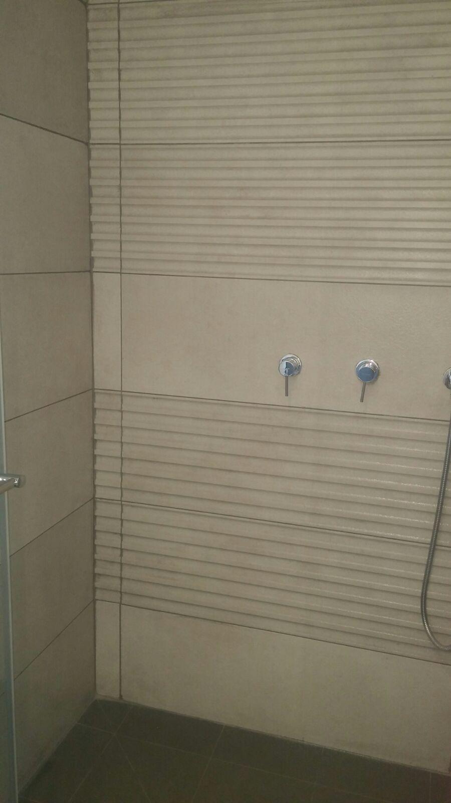 מקלחת-3